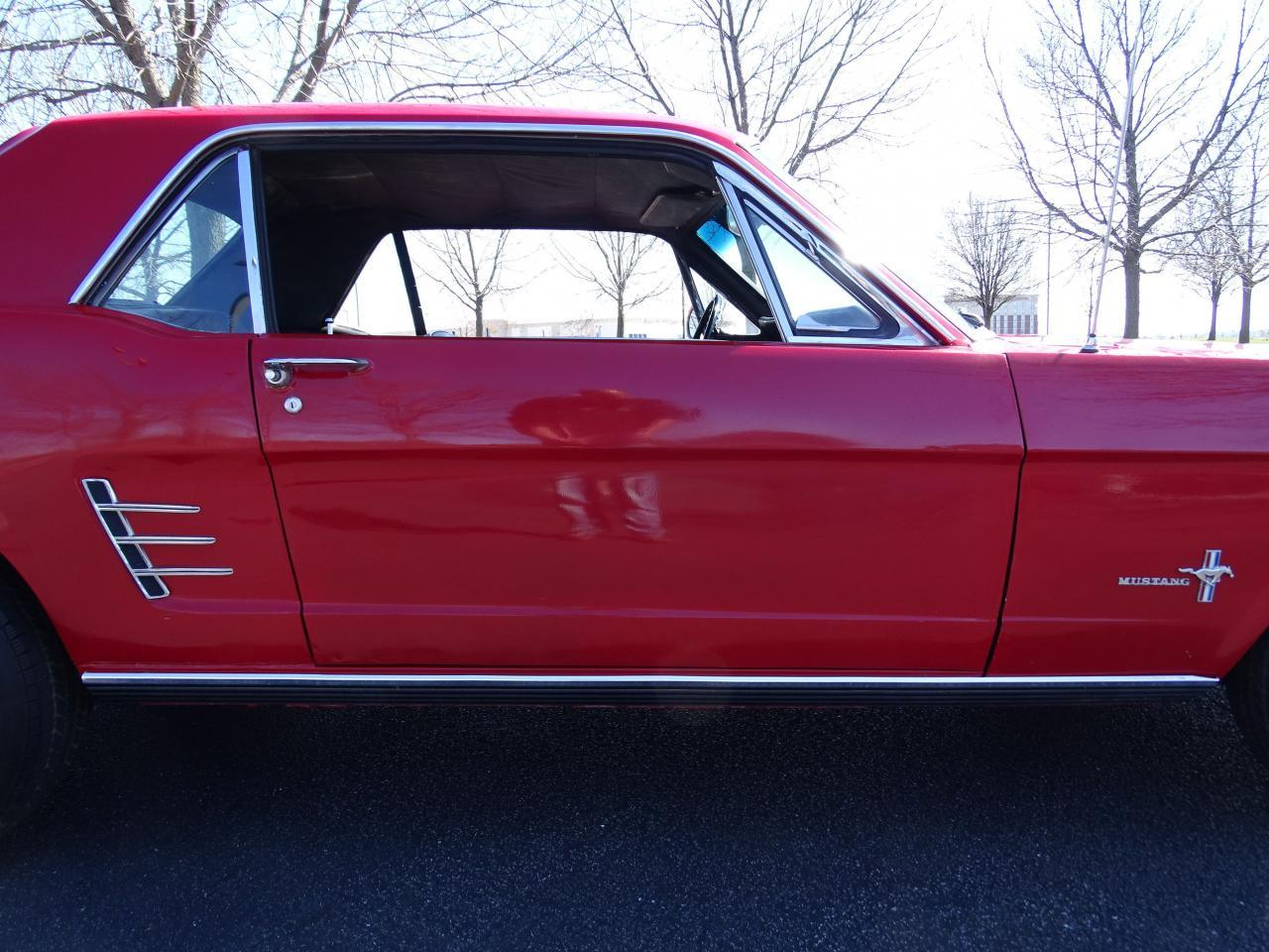 Large Picture of Classic 1966 Ford Mustang Offered by Gateway Classic Cars - St. Louis - MZEK