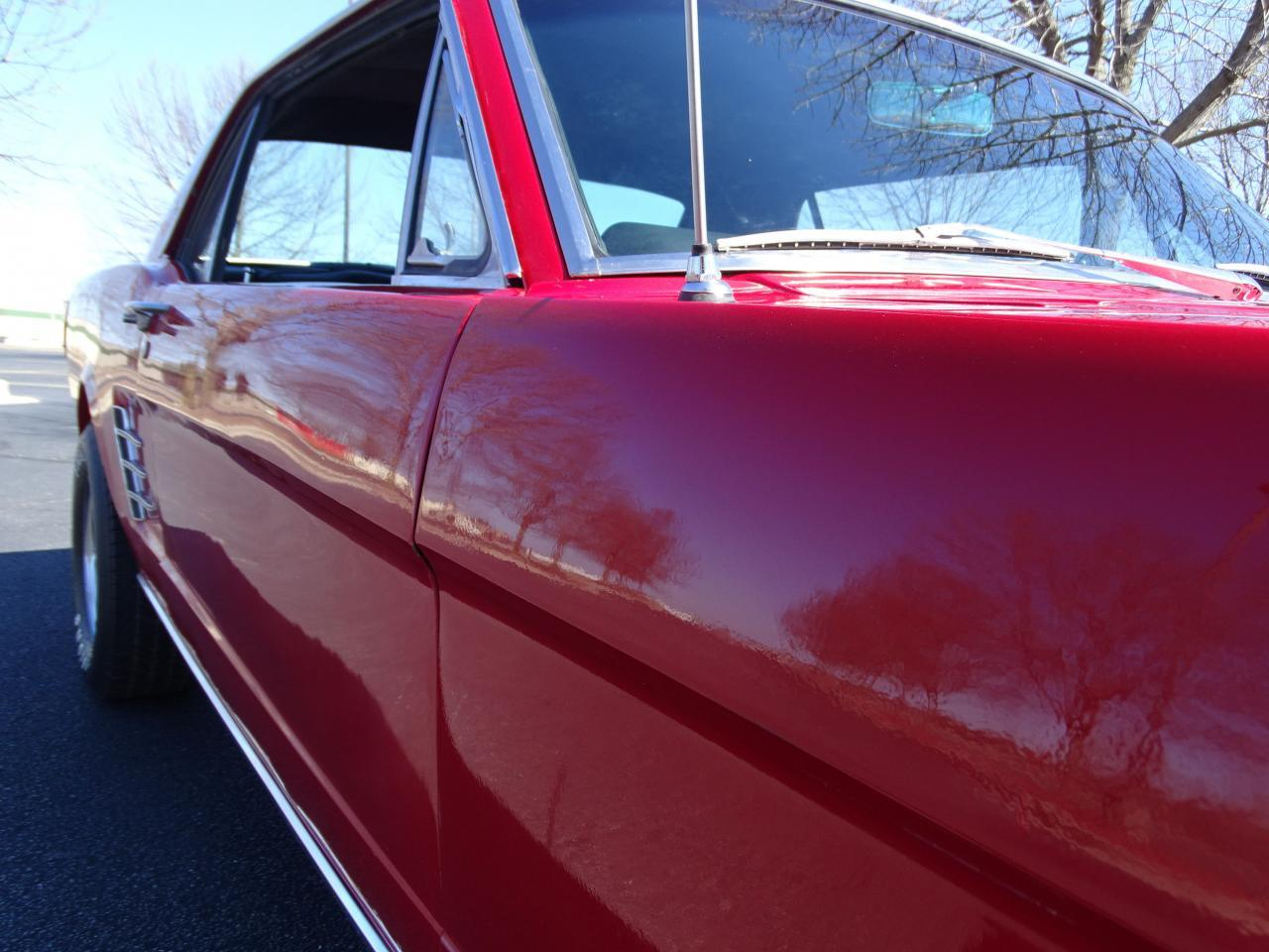 Large Picture of '66 Ford Mustang located in O'Fallon Illinois - MZEK