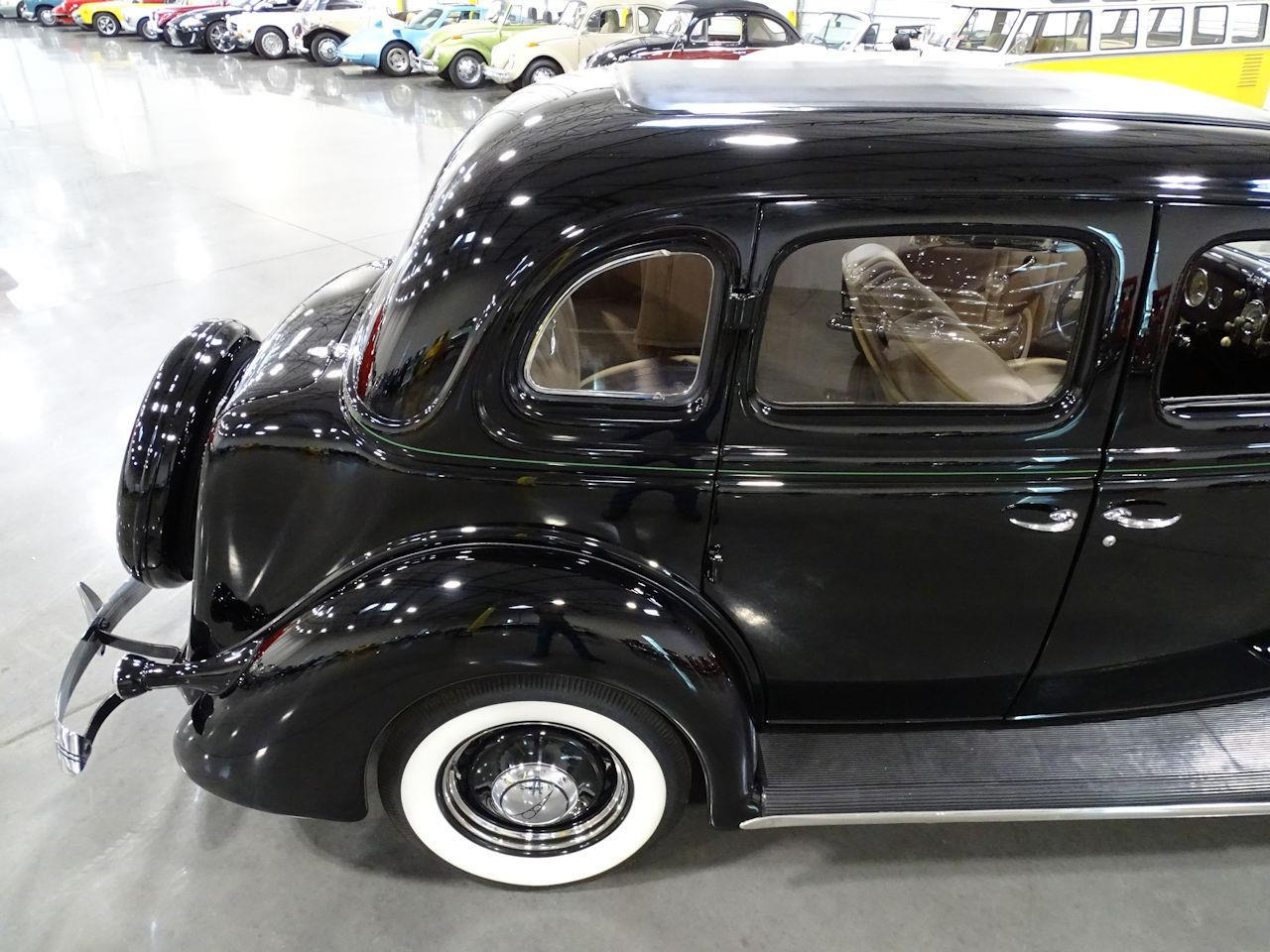 Large Picture of Classic 1936 Ford Deluxe - $29,595.00 - MZEN