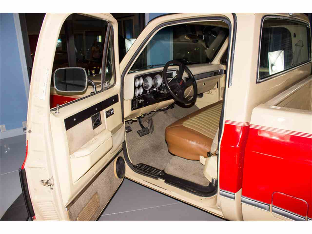 Large Picture of '86 Chevrolet C10 located in Florida - $10,997.00 Offered by Skyway Classics - MZEX