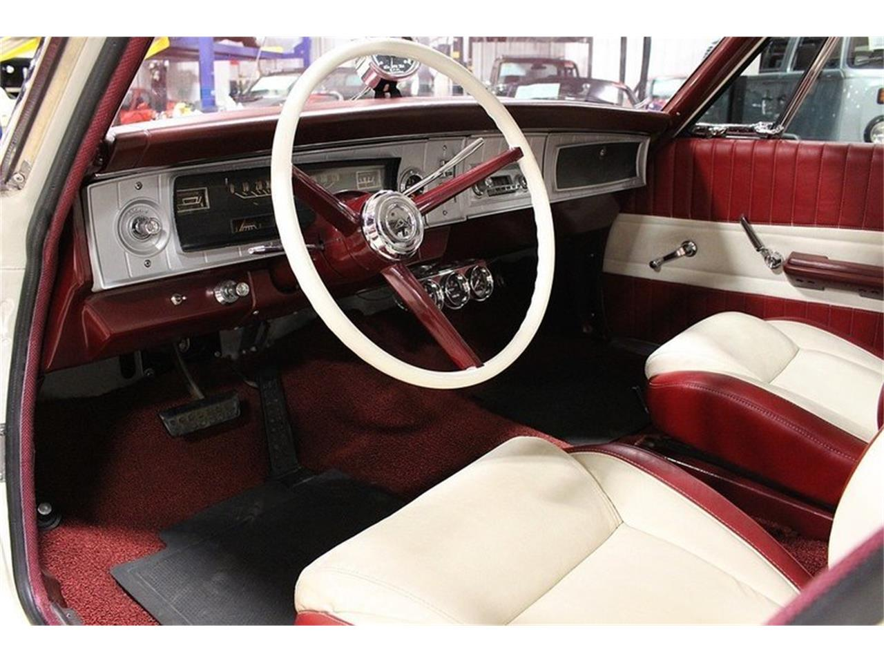 Large Picture of Classic 1965 Coronet Offered by GR Auto Gallery - MZF5