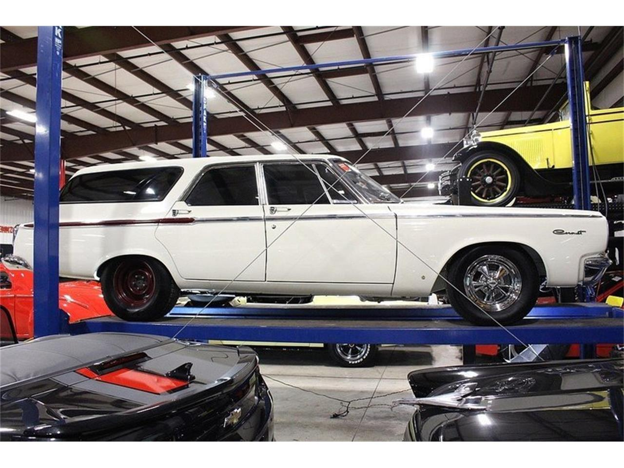 Large Picture of Classic '65 Coronet located in Michigan Offered by GR Auto Gallery - MZF5