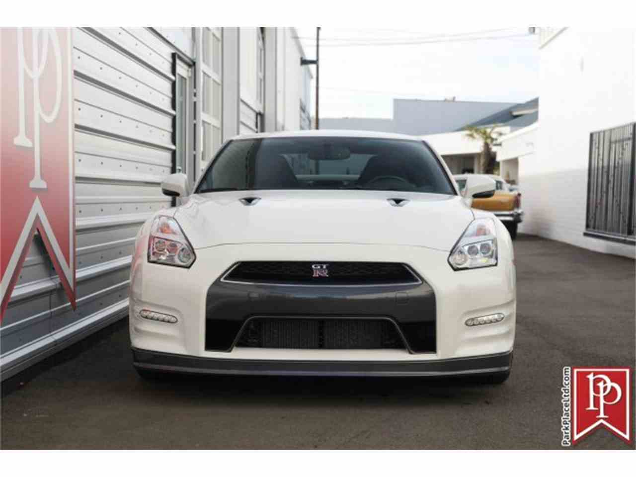 Large Picture of '15 GT-R - MZF7