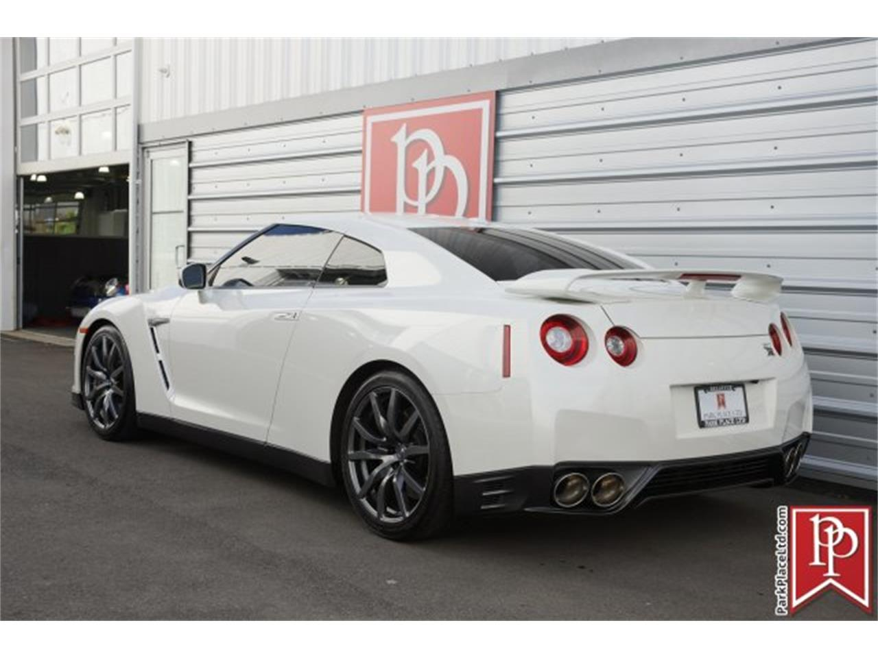 Large Picture of '15 GT-R located in Bellevue Washington - $83,950.00 - MZF7