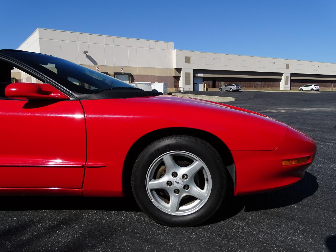 Large Picture of '96 Pontiac Firebird Offered by Gateway Classic Cars - St. Louis - MZF9