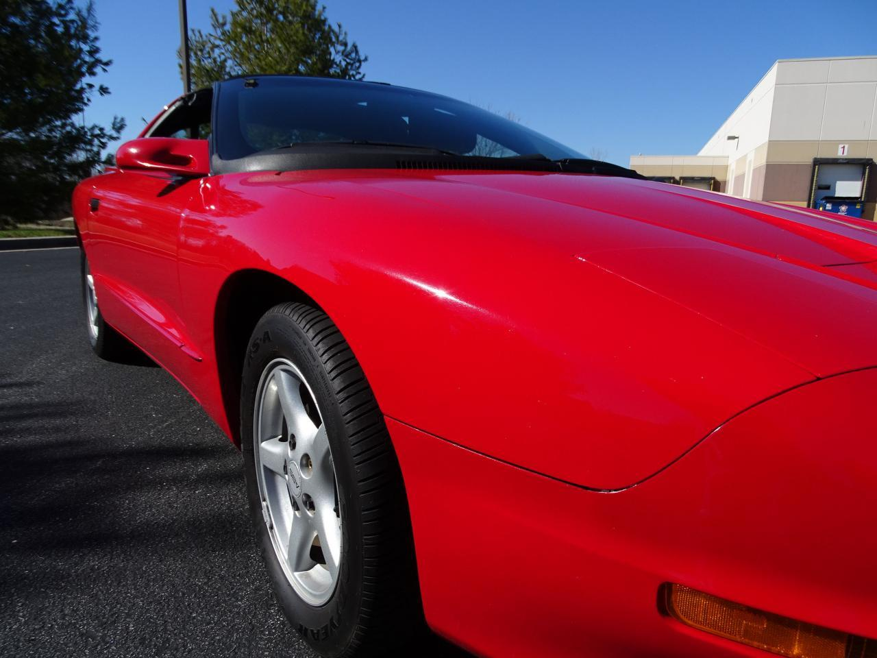 Large Picture of 1996 Pontiac Firebird located in Illinois Offered by Gateway Classic Cars - St. Louis - MZF9