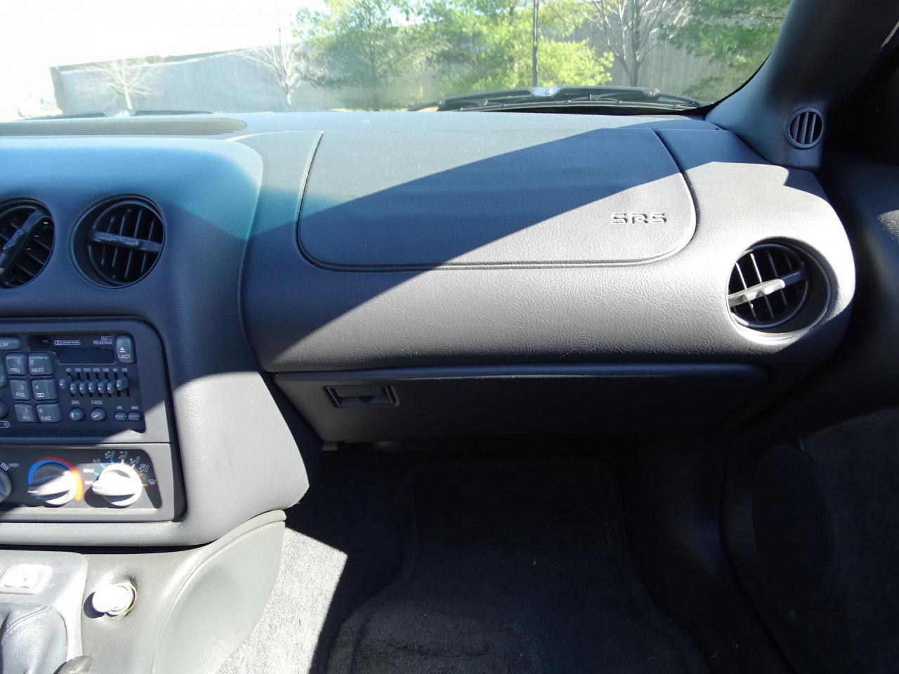 Large Picture of 1996 Pontiac Firebird - MZF9