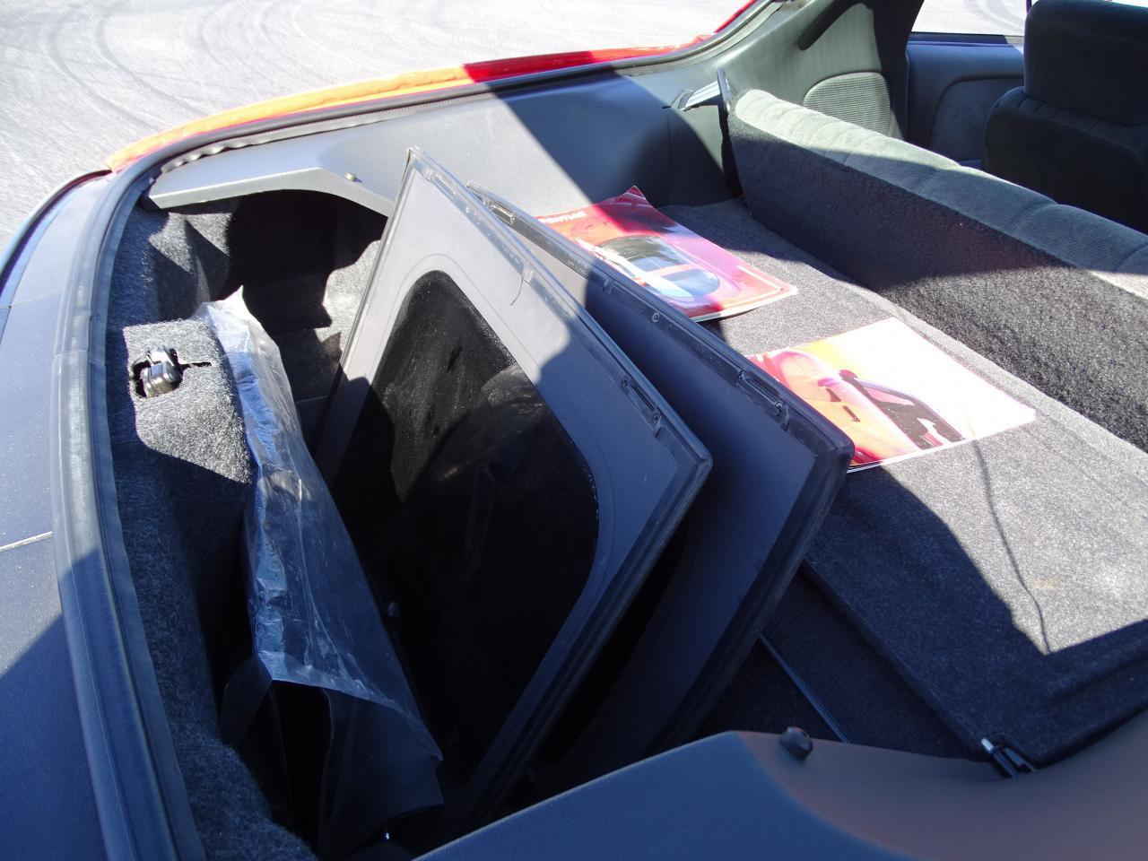 Large Picture of 1996 Pontiac Firebird - $8,995.00 - MZF9