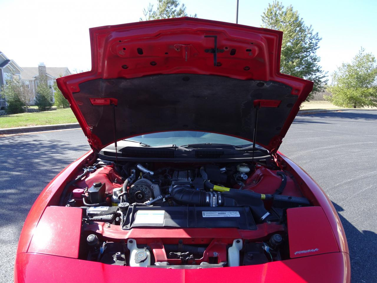 Large Picture of '96 Pontiac Firebird located in Illinois - $8,995.00 - MZF9