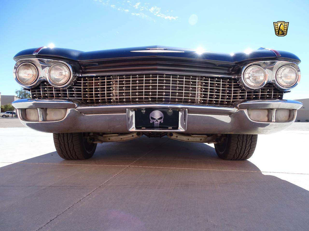 Large Picture of Classic 1960 Cadillac Series 62 - MZFH