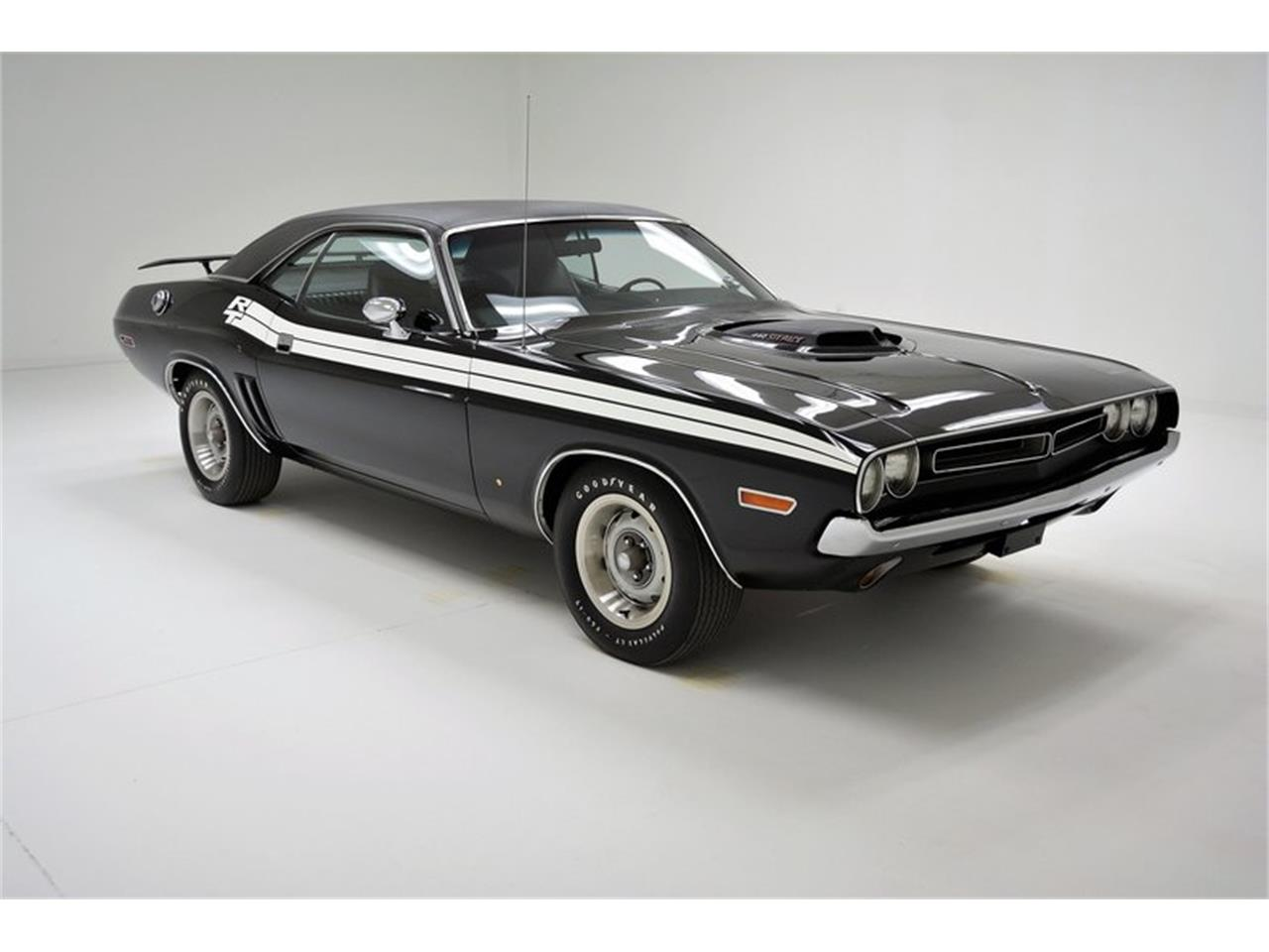Large Picture of Classic 1971 Challenger R/T located in Pennsylvania - MZFX