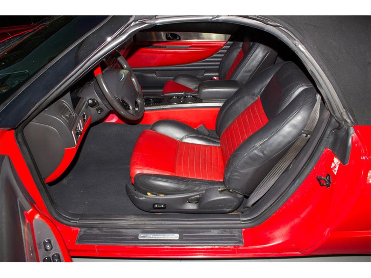 Large Picture of 2002 Ford Thunderbird - MZFZ