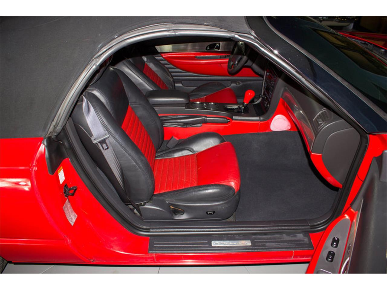Large Picture of '02 Ford Thunderbird - $14,997.00 - MZFZ