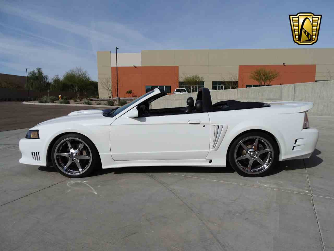 Large Picture of 2002 Ford Mustang - MZG0