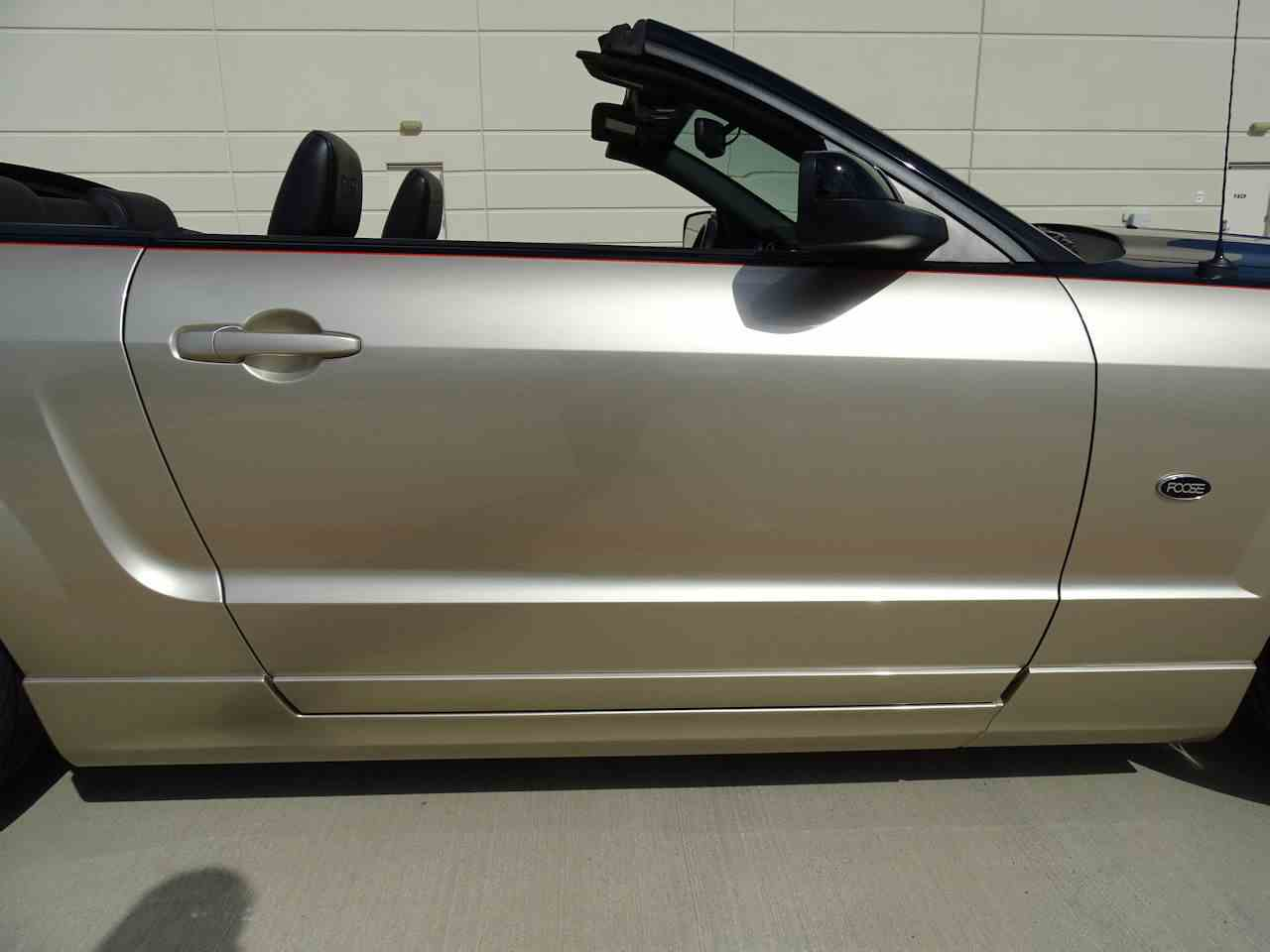 Large Picture of 2008 Ford Mustang located in Houston Texas - MZGA