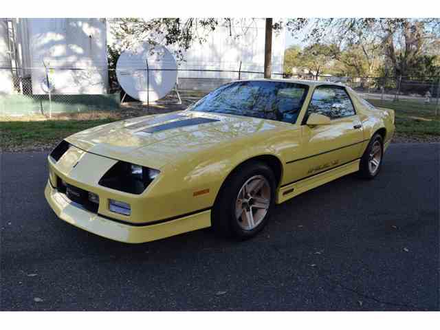 Picture of '85 Camaro Iroc Z28 Coupe - MZGX