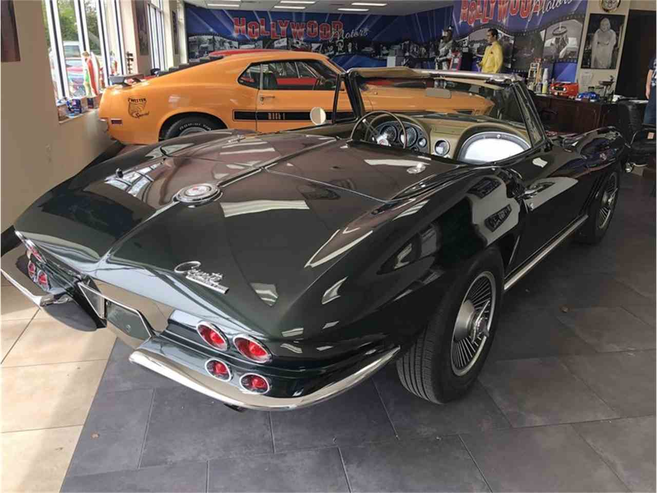 Large Picture of '65 Corvette - MZH1