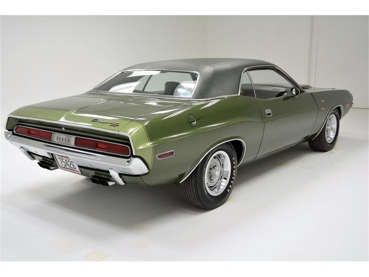Large Picture of '70 Dodge Challenger R/T Offered by Classic Auto Mall - MZHE