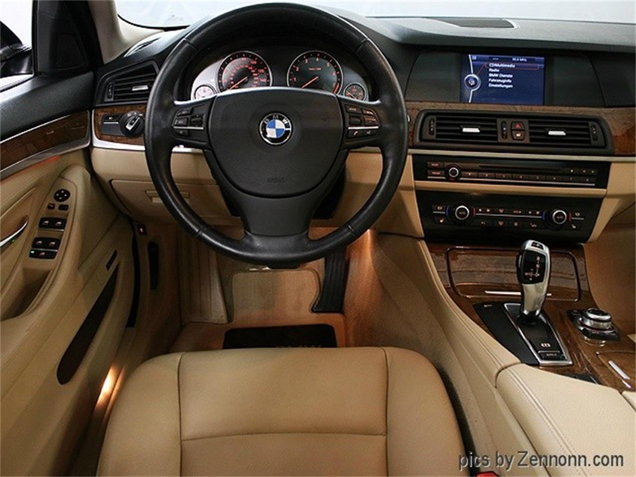 Large Picture of 2011 BMW 5 Series located in Illinois Offered by Auto Gallery Chicago - MZHN