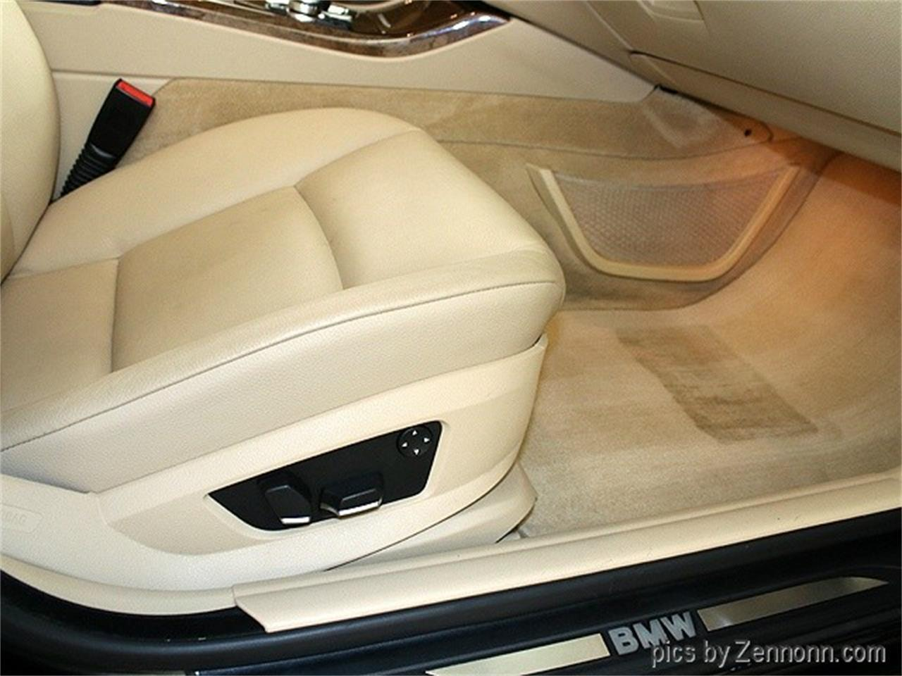 Large Picture of 2011 BMW 5 Series located in Addison Illinois Offered by Auto Gallery Chicago - MZHN