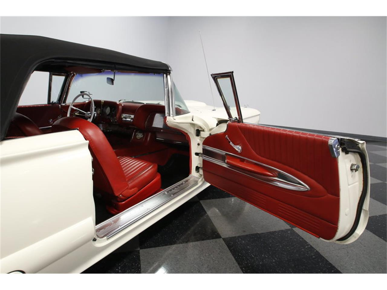 Large Picture of 1960 Thunderbird located in North Carolina - $39,995.00 - MZHS