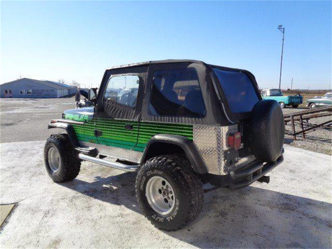 Large Picture of 1993 Jeep Wrangler located in Illinois Offered by Country Classic Cars - MZIA