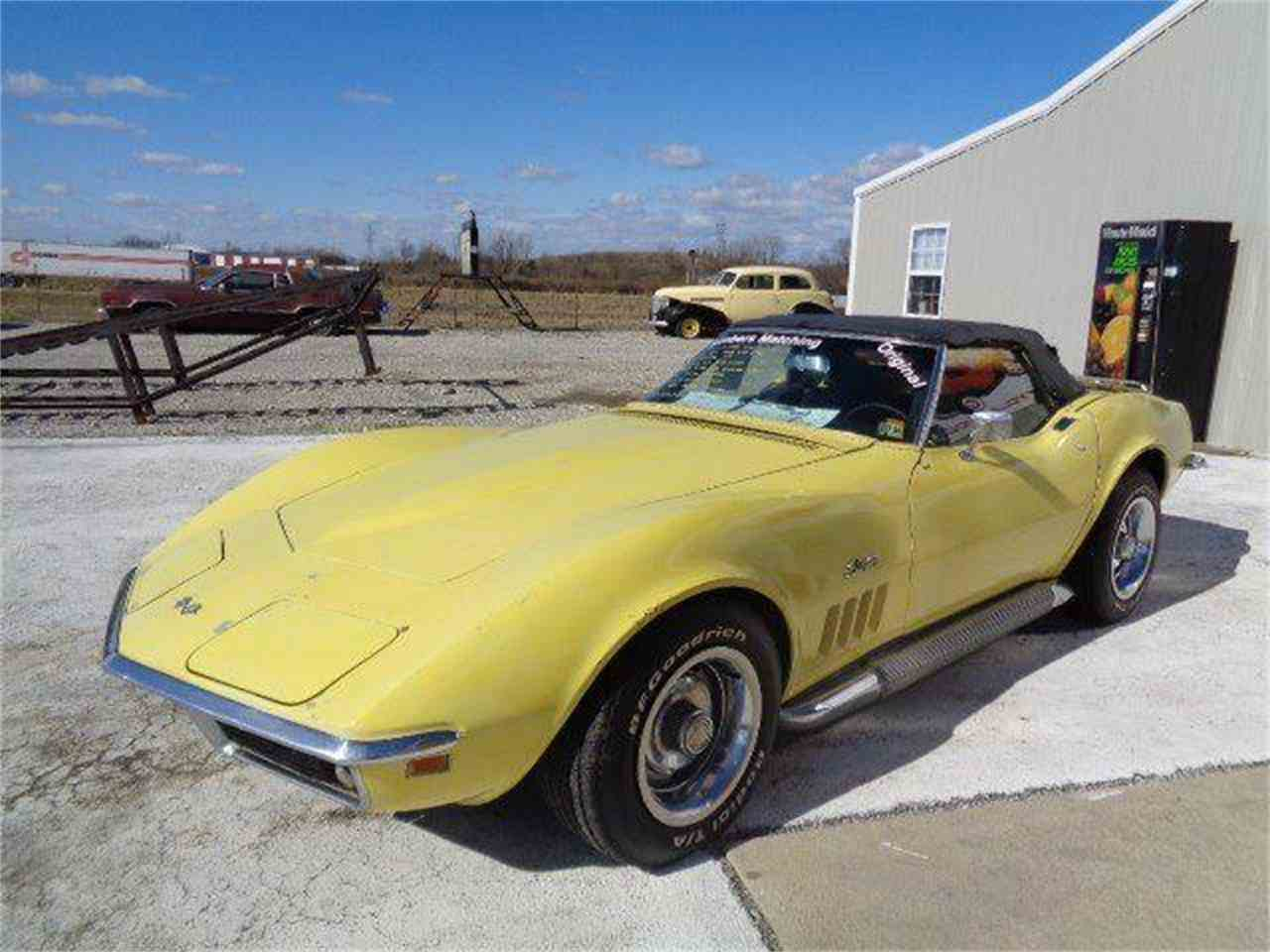 Large Picture of 1969 Corvette Offered by Country Classic Cars - MZIJ