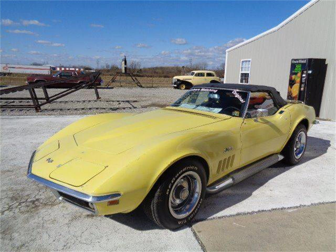 Large Picture of '69 Corvette located in Staunton Illinois Offered by Country Classic Cars - MZIJ