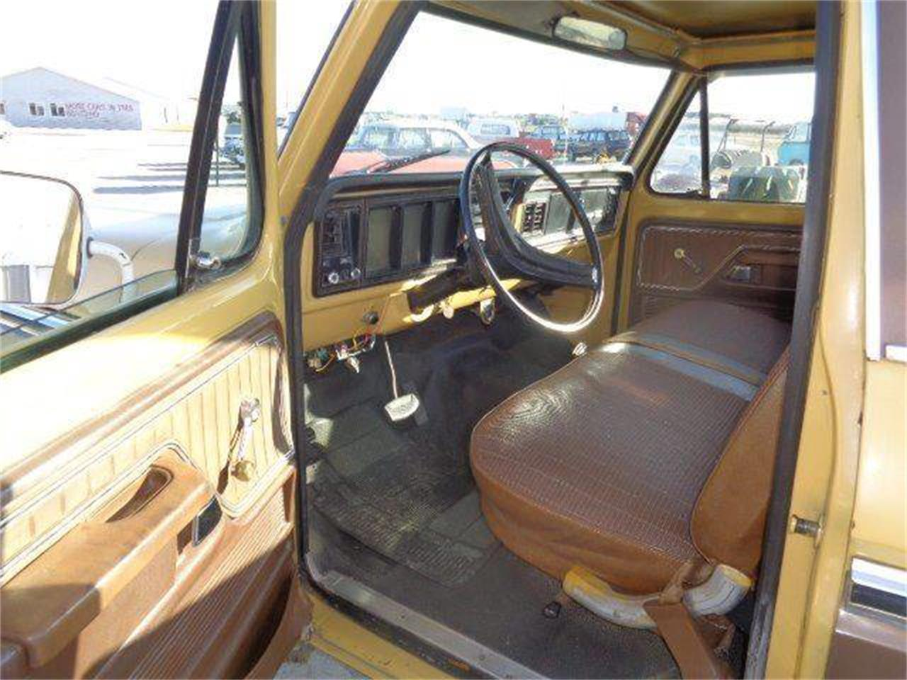 Large Picture of '74 Ford F250 Offered by Country Classic Cars - MZIV