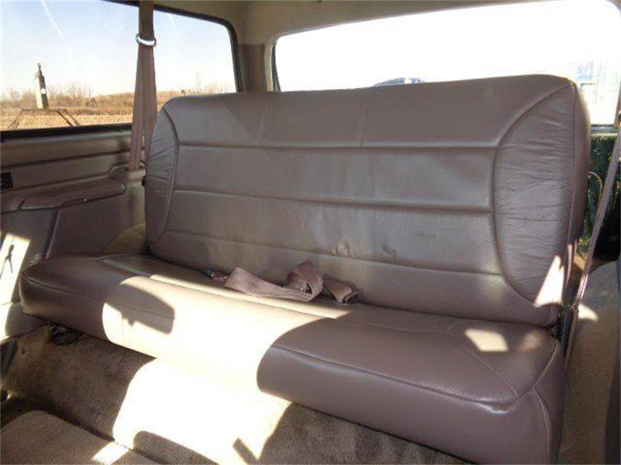 Large Picture of 1993 Ford Bronco located in Illinois Offered by Country Classic Cars - MZIW