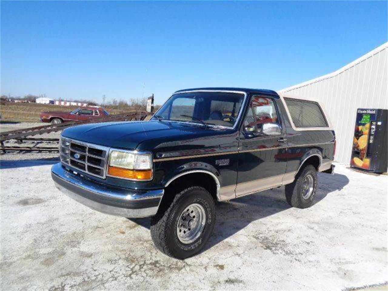 Large Picture of '93 Ford Bronco Offered by Country Classic Cars - MZIW