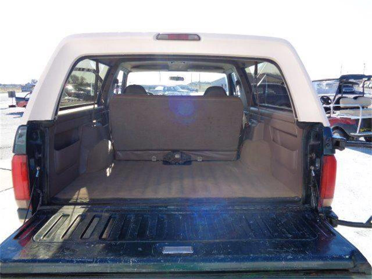 Large Picture of 1993 Ford Bronco located in Staunton Illinois Offered by Country Classic Cars - MZIW