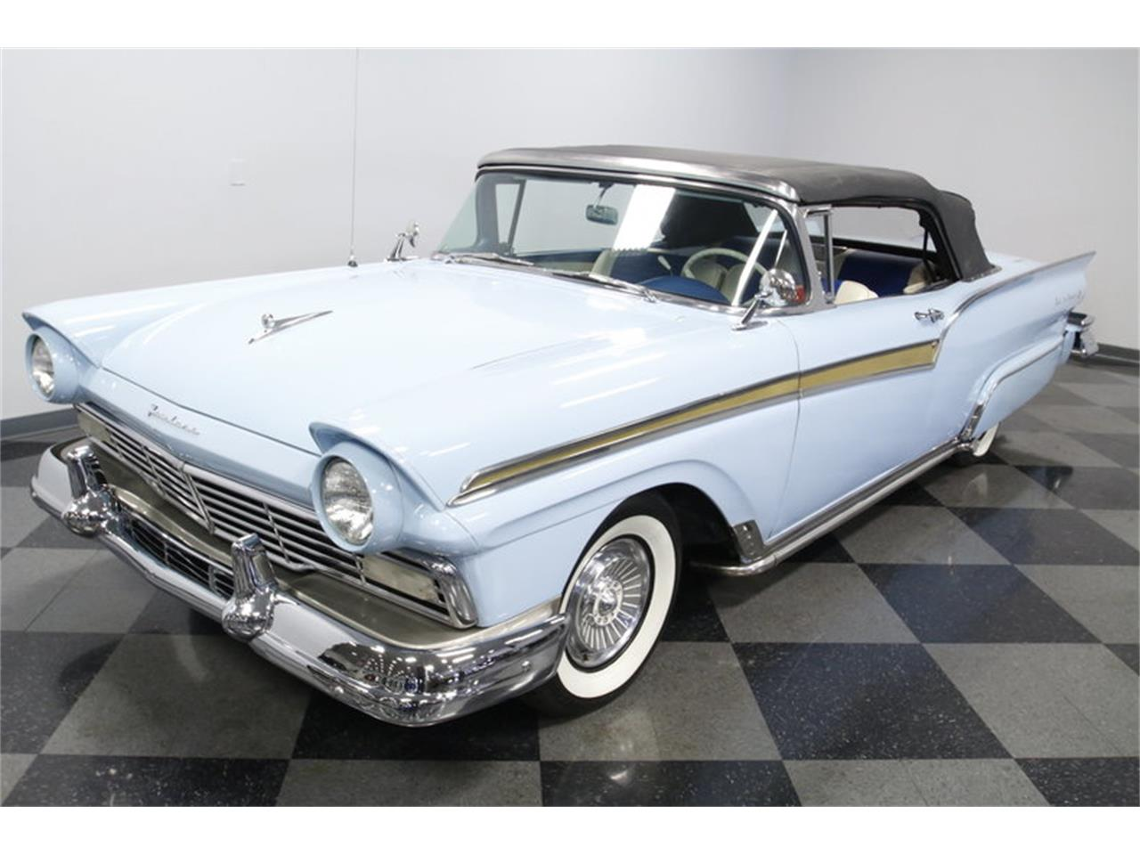 Large Picture of 1957 Ford Fairlane located in Concord North Carolina - MZJ8