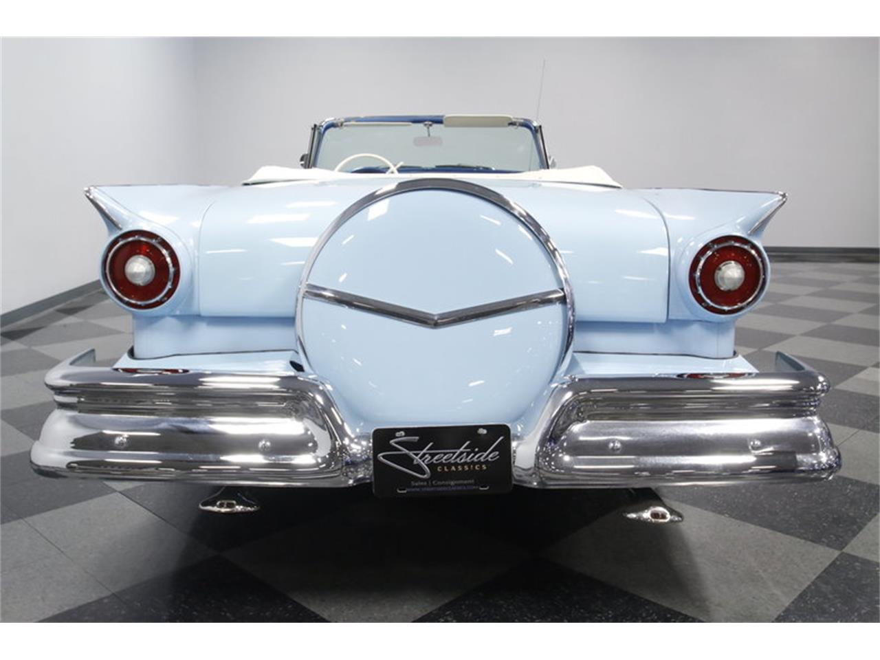 Large Picture of 1957 Fairlane - MZJ8