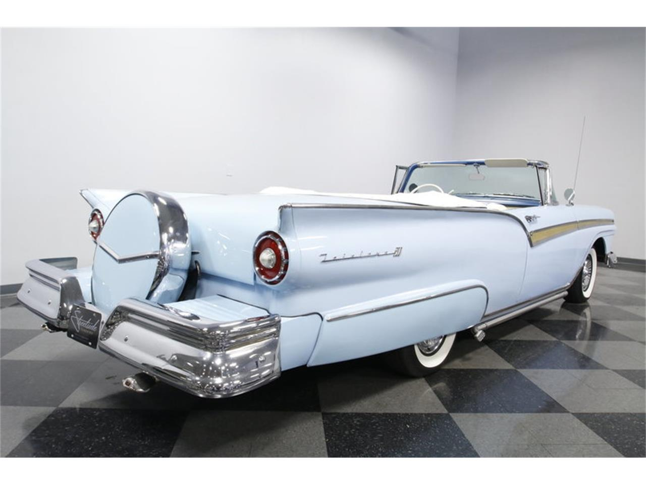 Large Picture of Classic 1957 Ford Fairlane - MZJ8