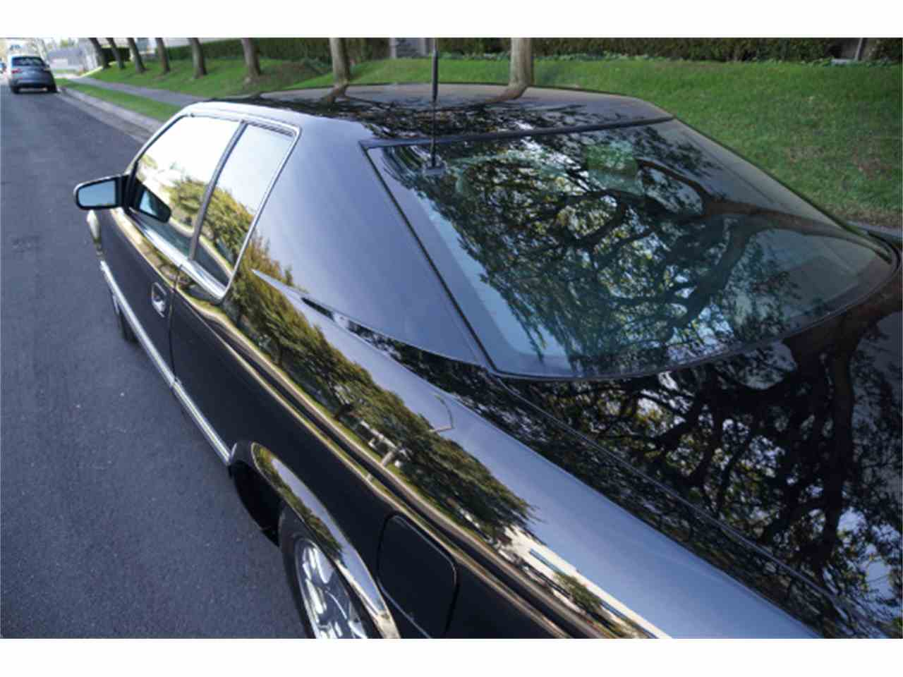 Large Picture of 2002 Cadillac Eldorado located in California Auction Vehicle Offered by West Coast Classics - MZJA