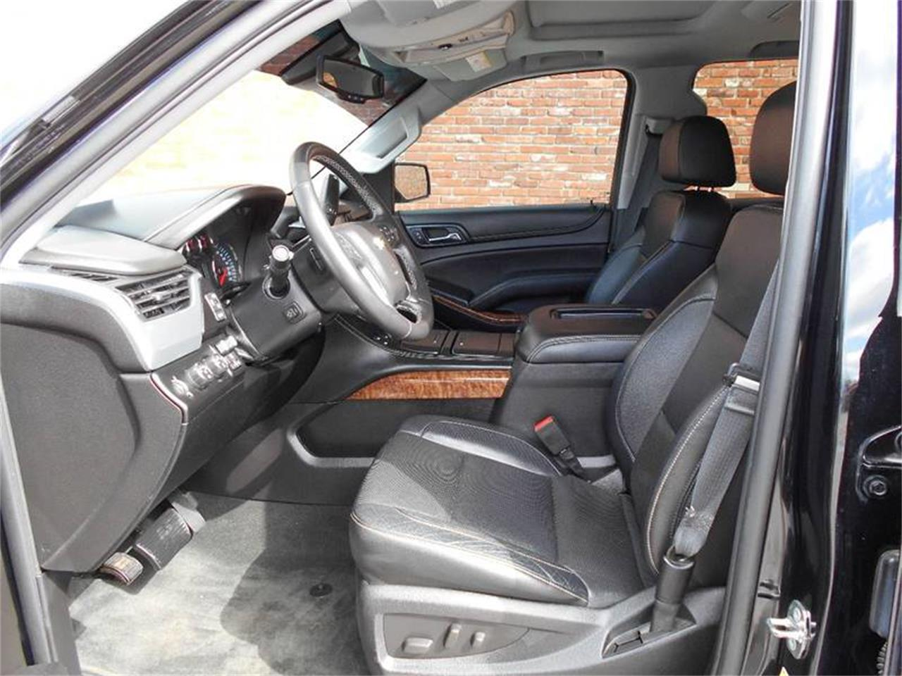 Large Picture of '15 Chevrolet Tahoe located in Olathe Kansas - MZJC