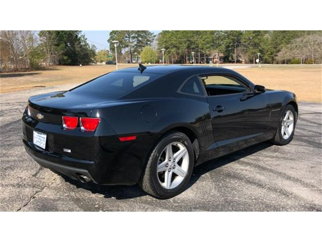 Large Picture of '11 Chevrolet Camaro located in Hope Mills North Carolina - $11,995.00 - MZJO