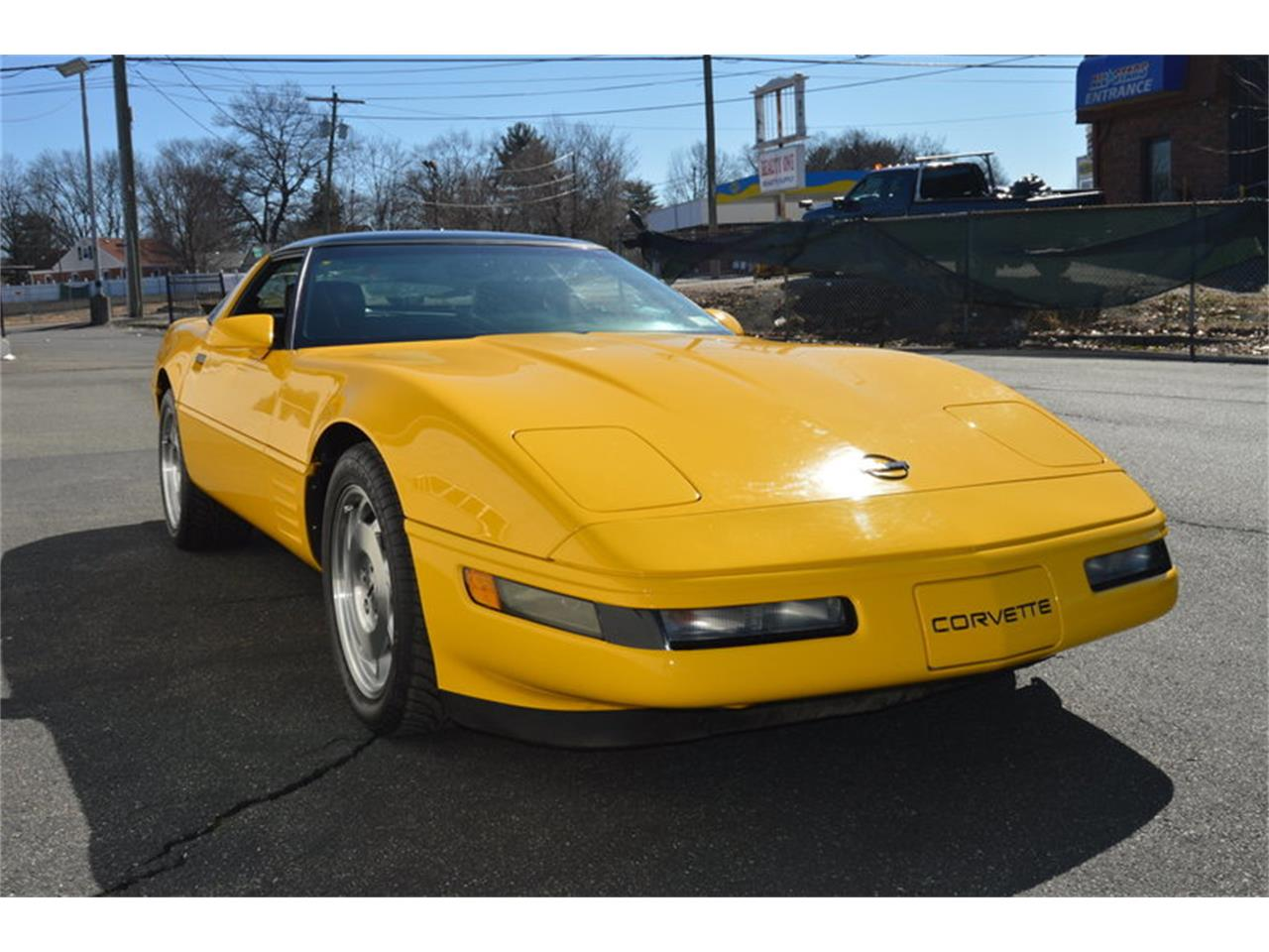 Large Picture of 1993 Corvette located in Springfield Massachusetts Offered by Mutual Enterprises Inc. - MZK6
