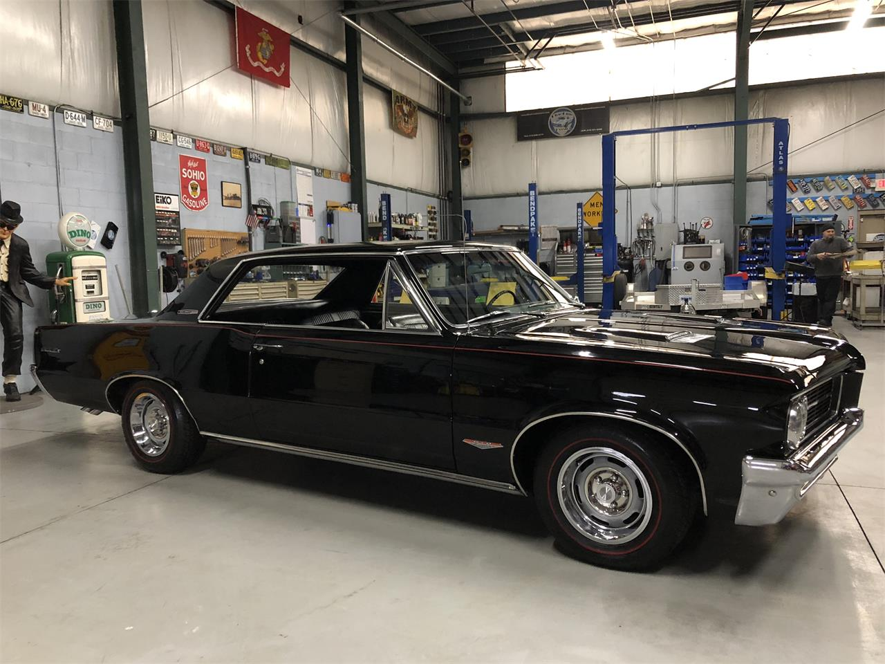Large Picture of Classic '64 Pontiac GTO located in North Royalton Ohio Offered by BlueLine Classics - MZLY