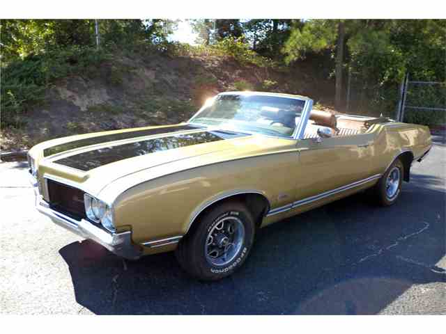 Picture of '70 Cutlass Supreme - N044