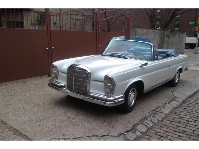 Picture of 1967 Mercedes-Benz 250SE Auction Vehicle - MXVE