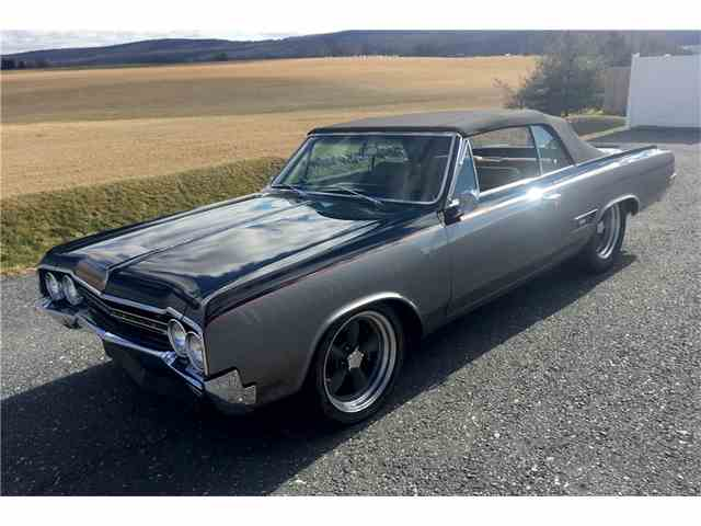Picture of Classic 1965 Oldsmobile 442 Offered by Barrett-Jackson Auctions - N09J