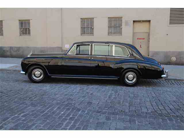 Picture of 1965 Rolls-Royce Phantom located in New York New York - MXVW