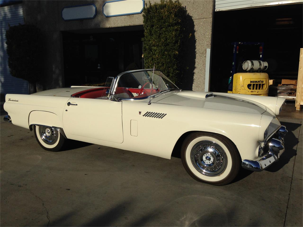 Large Picture of '56 Thunderbird - MXZD