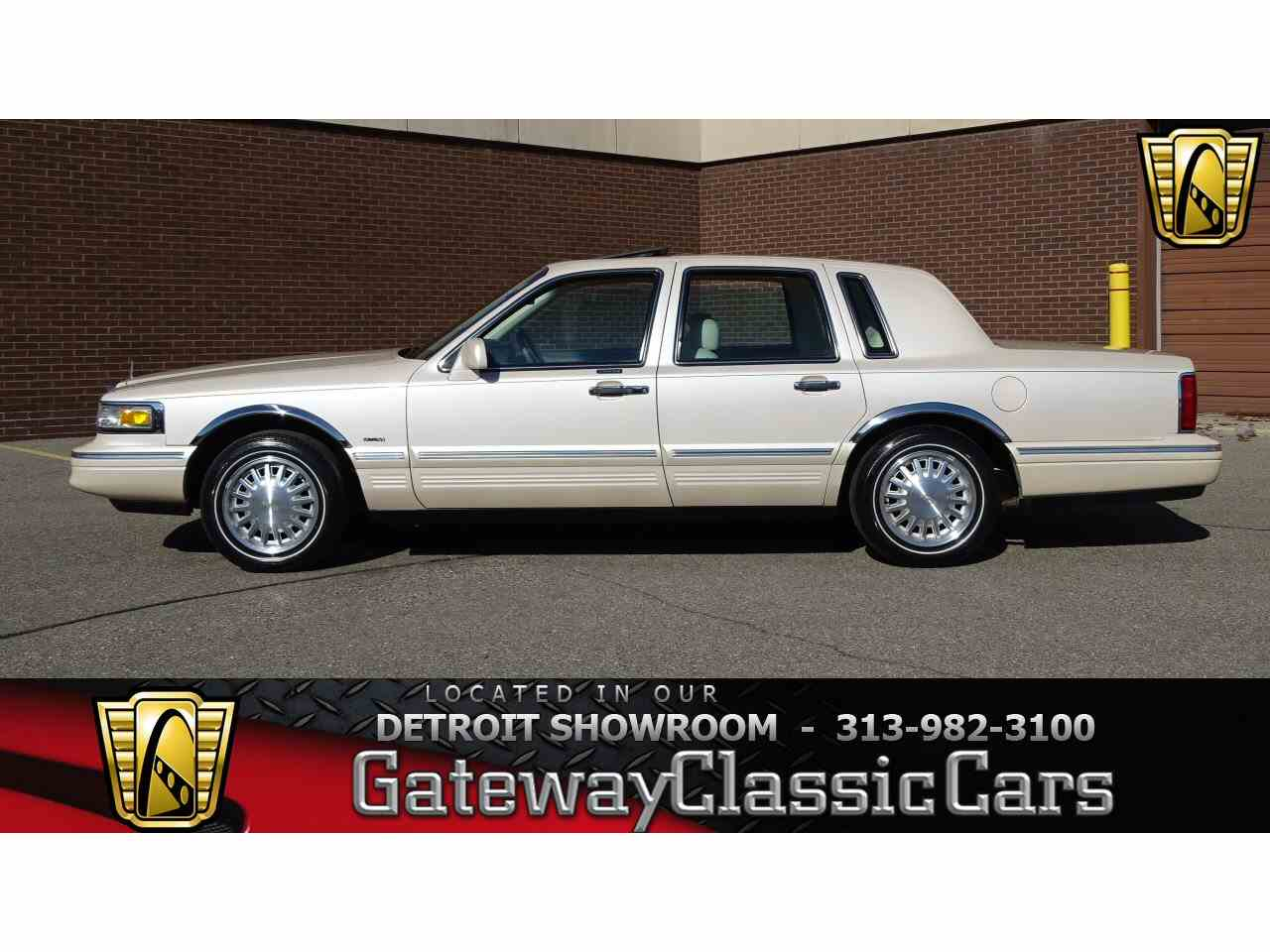 1997 lincoln town car for sale classiccars cc 1075972 large picture of 97 town car n284 publicscrutiny Gallery