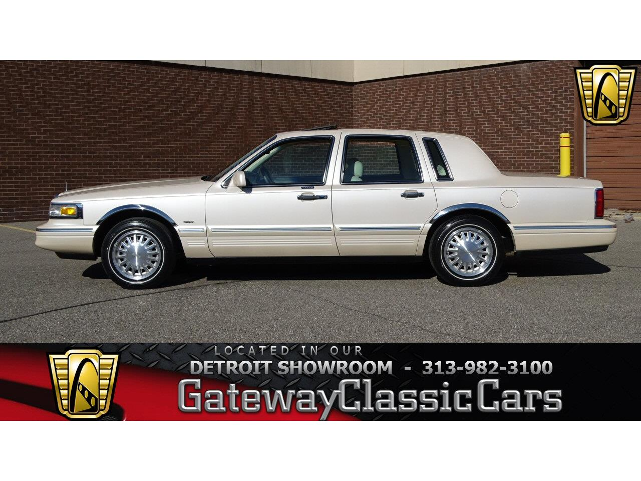 Large Picture of '97 Town Car - N284