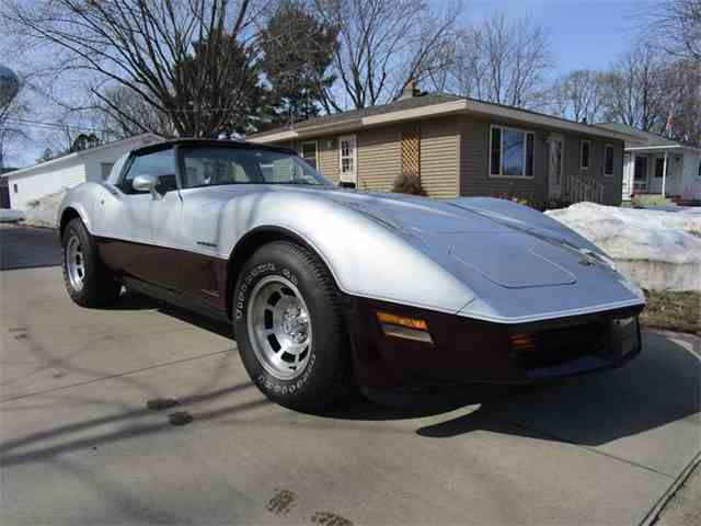 Picture of 1982 Chevrolet Corvette located in Wisconsin - $14,900.00 Offered by Cody's Classic Cars - N2A8