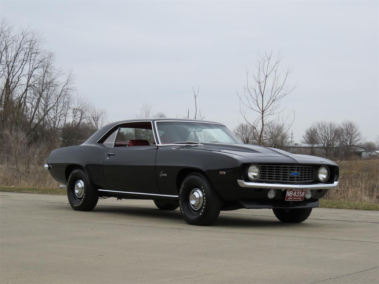Large Picture of '69 Chevrolet Camaro located in Indiana Offered by Earlywine Auctions - N2IC