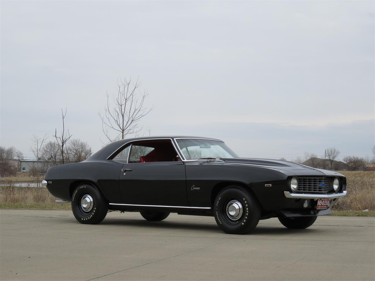 Large Picture of '69 Camaro located in Kokomo Indiana Offered by Earlywine Auctions - N2IC